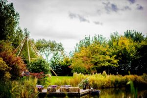 The stunning lake at Horsley Hale Farm, alternative Wedding venue in Cambridgeshire