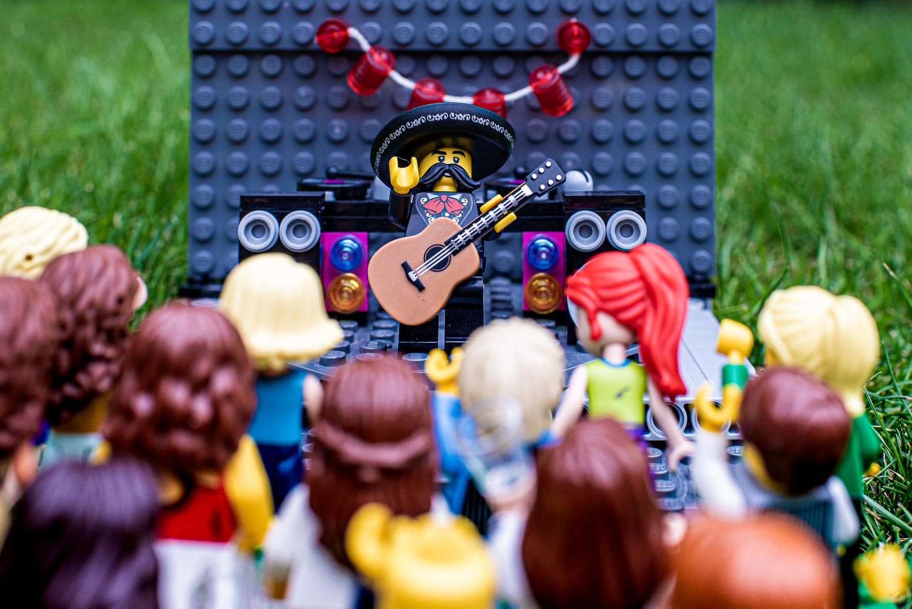 El Mexican perking live for the guests at Alternative festival lego wedding