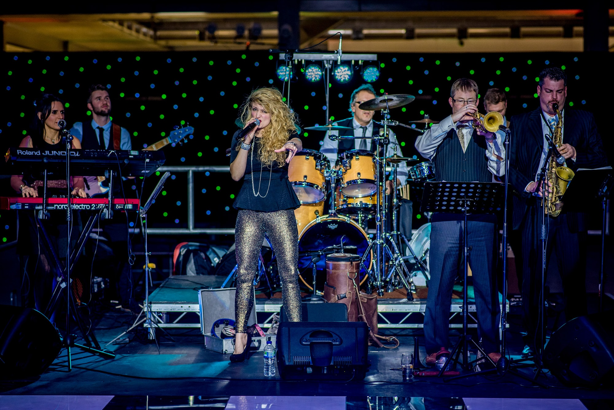 10 Reasons to have a live wedding band